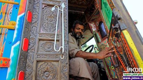کامیونهای رنگارنگ در جاده های پاکستان