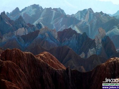 منطقه ای دیدنی از کوههای رسوبی در نهبندان