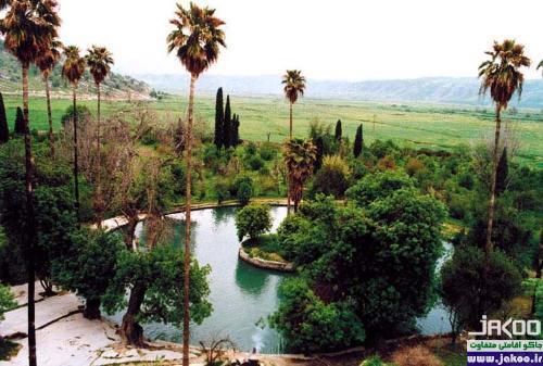 استخر زیبا در باغ چشمه بلقیس