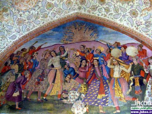 نقاشیهای زیبا در کاخ عالی قاپو