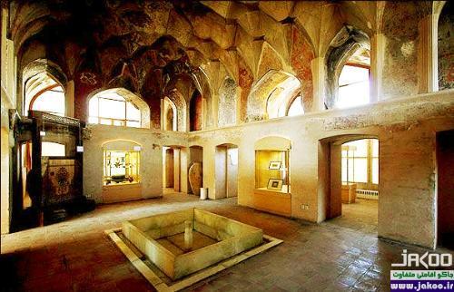 اتاق شاه نشین کاخ عالی قاپو